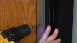Soundproof door seal