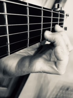 10 Things Every Beginner Guitar Player Needs to Know